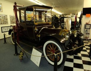 6-international-towing-recovery-museum-musee-tennessee-remorqueuse-depanneuse-locomobile-holmes-485-1913-1